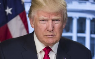 Donald Trump to temporarily suspend immigration into US